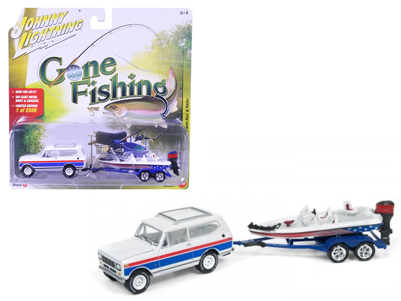 "1979 International Scout Gloss White w/Red & Blue Stripes with Boat & Trailer ""Gone Fishing\"" Limited to 2508pc 1/64 Diecast Model Car by Johnny Lightning"