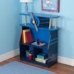 Kidkraft Airplane Bookcase: Spinning propeller