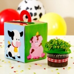 Barnyard Cupcake Boxes (4): Birthday