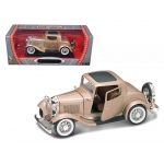 1932 Ford 3 Window Coupe Gold 1/18 Diecast Car by Road Signature
