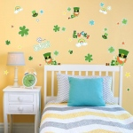 BuySeasons Green Irish Leprechaun St. Patrick's Home Room Decor Removable Wall/Locker/Door/Decal Kids/Children