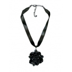 FAD TREASURES Black Flower Necklace One-Size