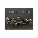 """Chop Shop"" 4 Piece Figure Set for 1:24 Scale Models by American Diorama"